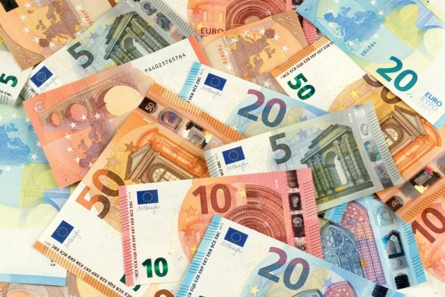 euro-bank-note-currency-finance-backgrou
